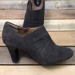Clarks Artisan Society Gown Suede Shootie